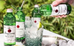 Tanqueray почав продавати джин-тонік у скляних пляшках