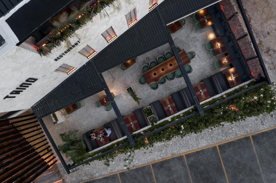 Українська студія запустила ресторан і бар у Домінікані. Проєкт включили у лонглист Dezeen