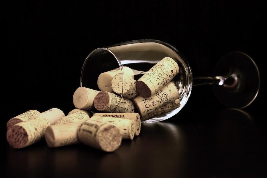 Скільки вина виготовили у світі за минулий рік