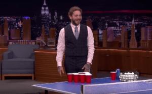 Репер Post Malone грає у пиво-понг на шоу Джиммі Феллона