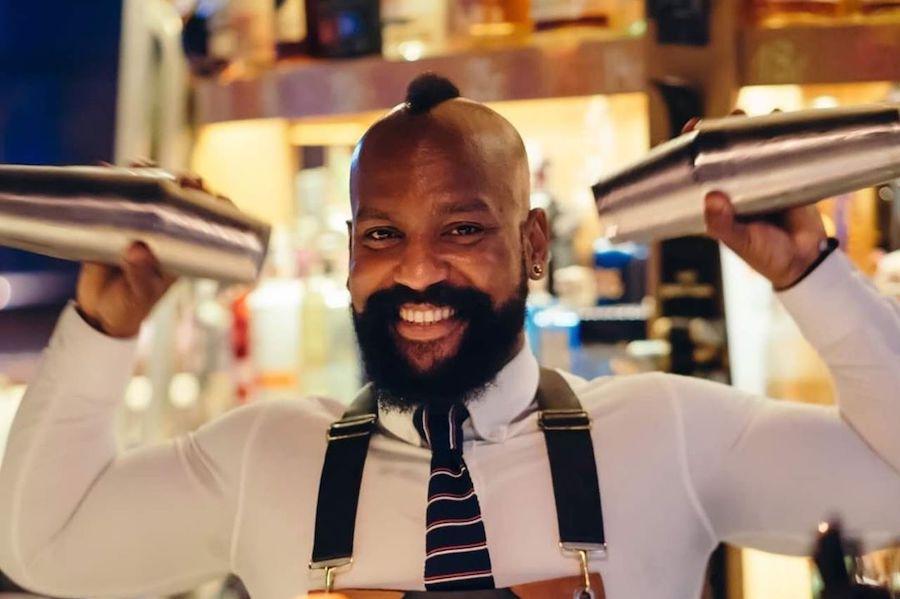 Дивіться серію лайвів на підтримку барменів від Angostura