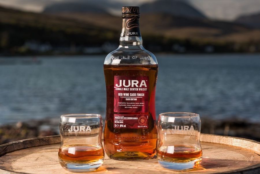 Jura випустили віскі в бочках з-під червоного вина