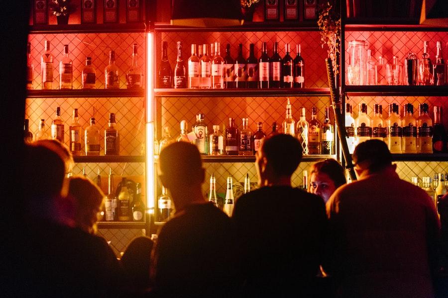 22% американців кажуть, що повернуться в бари, щойно скасують карантин