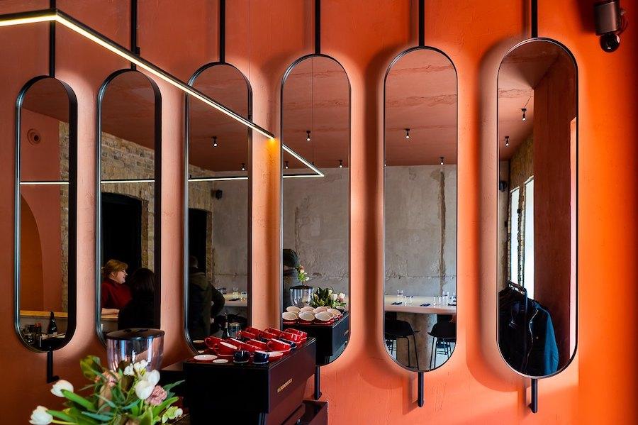 Винний бар Pure & Naive відкрили біля Золотих воріт. Це перезапуск необістро «Асамблея»