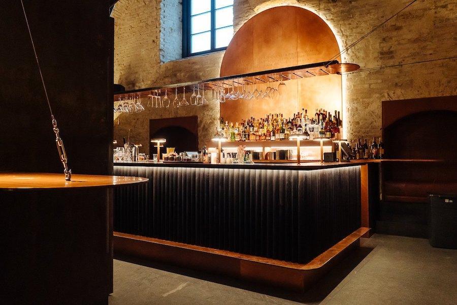 Новий бар. Ресторан Samna з сучасною кухнею Близького Сходу
