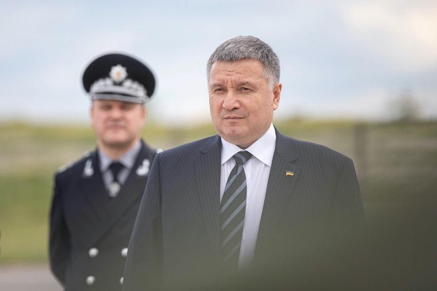 Терміновий локдаун на 3 тижні треба ввести в Україні – міністр внутрішніх справ
