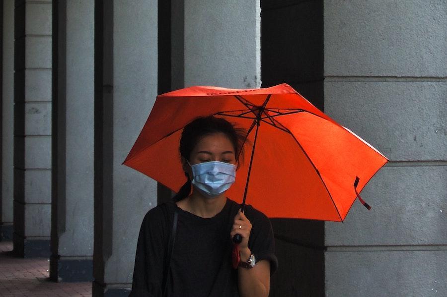 Локдауни не будуть необхідні, якщо 95% людей носитиме маски – ВООЗ