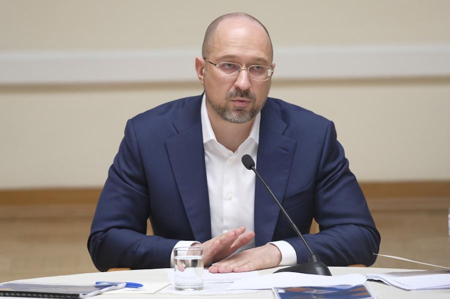 Третя хвиля коронавірусу почалася в Україні, можливий новий локдаун – прем'єр-міністр