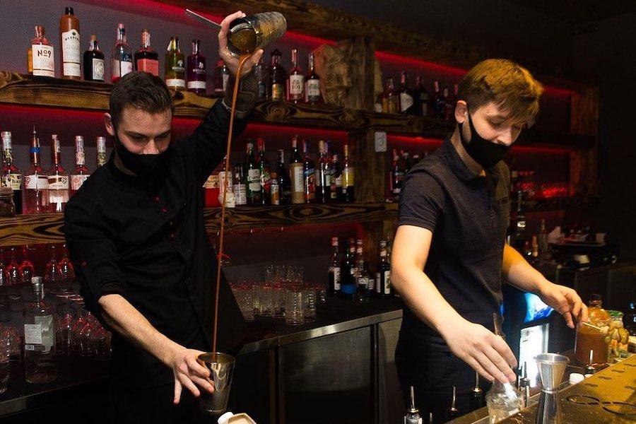 Новий бар. Underhand Bar на Троєщині