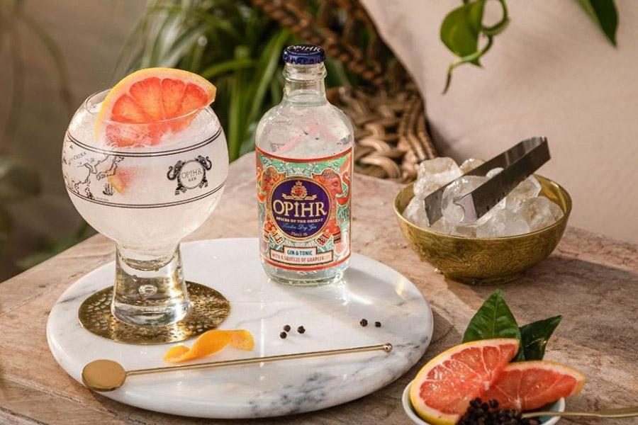 Виробник джину Opihr Gin випустив грейпфрутовий Gin & Tonic у пляшках