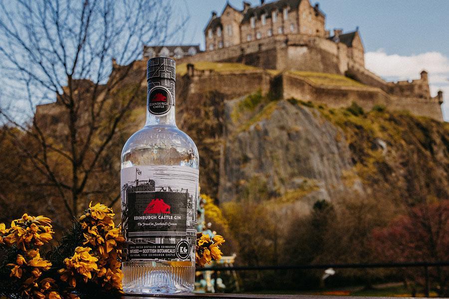 Единбурзький замок випустив офіційний джин